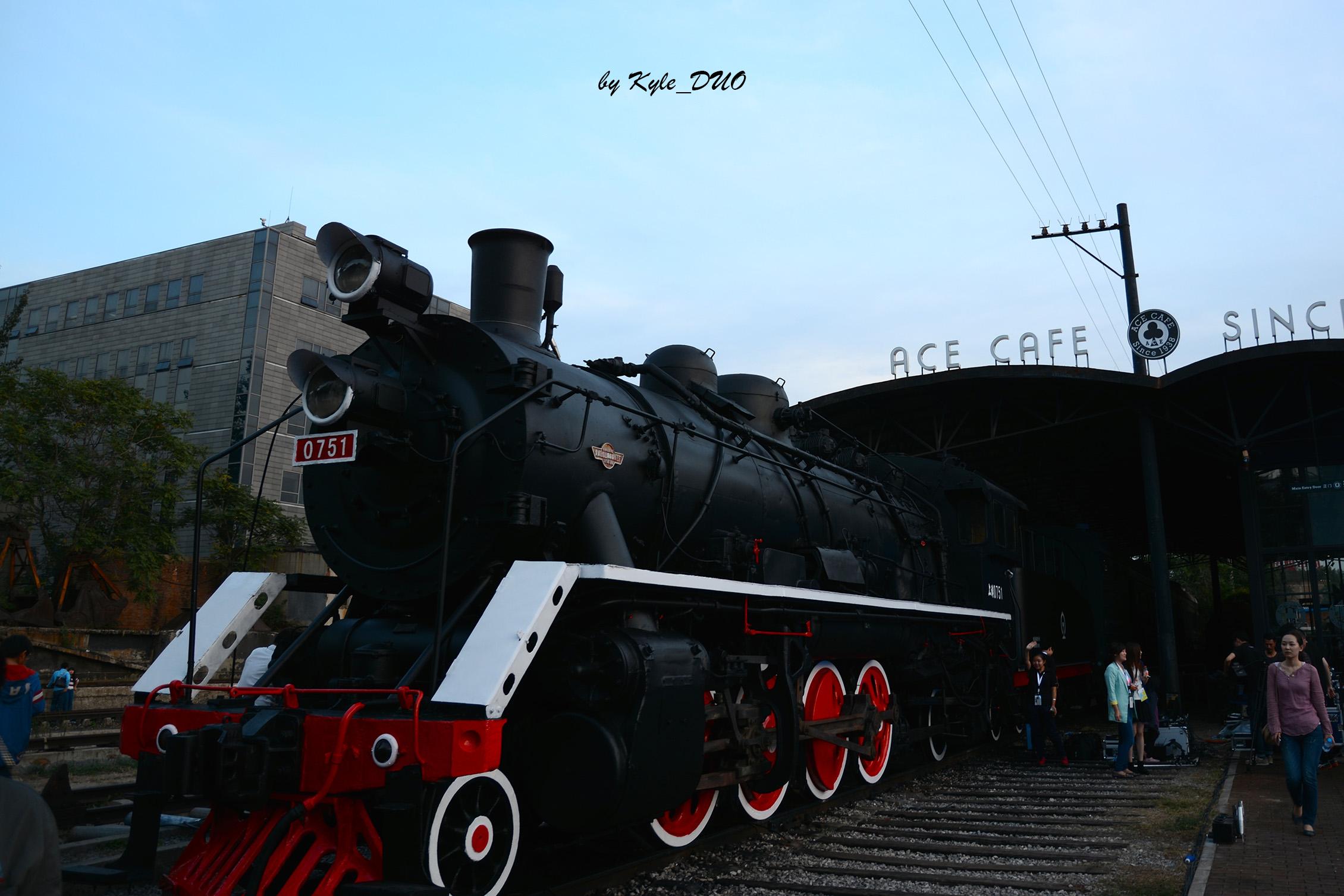 140927_train_web